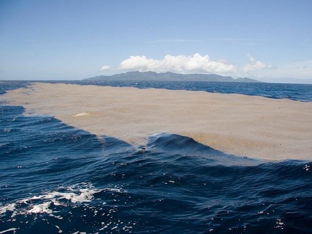 inquinamento in mare da sversamenti abusivi ok